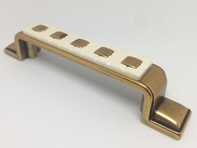 Ручка-скоба 128-096мм, отделка бронза античная французская + вставка 9.1346.128096.25-102
