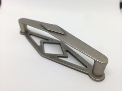 Ручка-скоба 96мм с накладкой, отделка старое серебро A167-096.AI.28