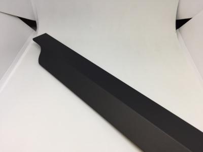 27.500.7W Профиль-ручка 500мм крепление саморезами черный матовый